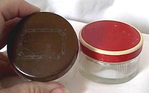 Vanity Items/2 Product Jars/1-Red Lid/1-Brown Lid