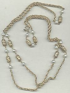 Necklace/Designer Sarah Coventry Faux/Simulated Pearl& GT Fillagree Beads
