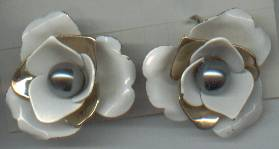 Earrings/Designer/Sarah Coventry/Clip Ons/Camellia