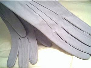 Gloves/Ladies Powder Blue Suede/Size6 1/4/