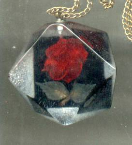 Set(s)//Pendent(with chain)&Ear Screws/Clear Lucite With Imbeded Red Roses&Leaves