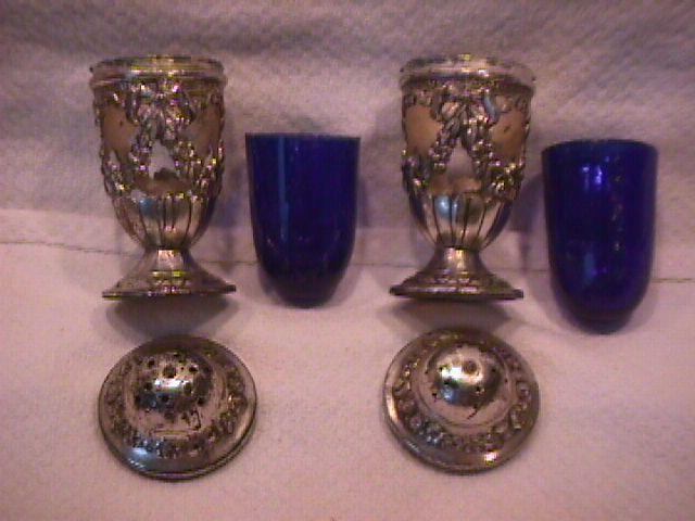 Silver Plate Blue insert Salt & Pepper set