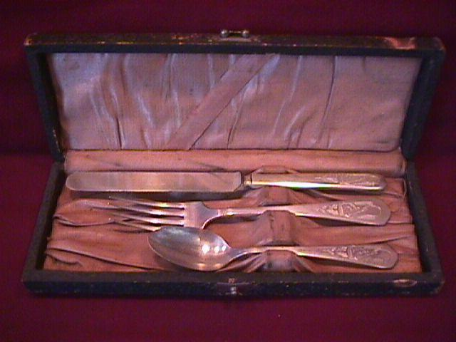 Oneida Silver Plate Youth Set