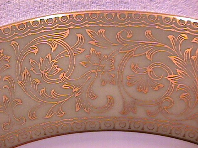 Sango Fine China (Versailles) Dinner Plate