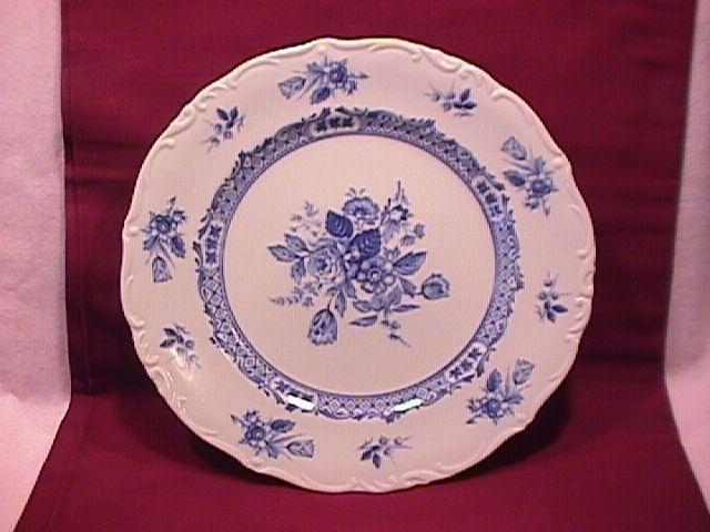 Mikasa Fine China (Rosalie) #L-9079 Dinner Plate