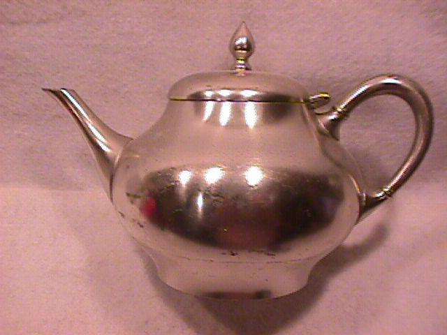Holland Pewter (Metawa) Teapot