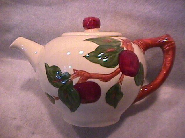 Franciscan China (Apple) Covered Tea Pot