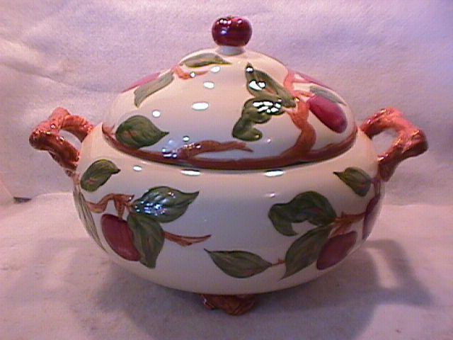 Franciscan China (Apple) Large, Footed, Covered Tureen