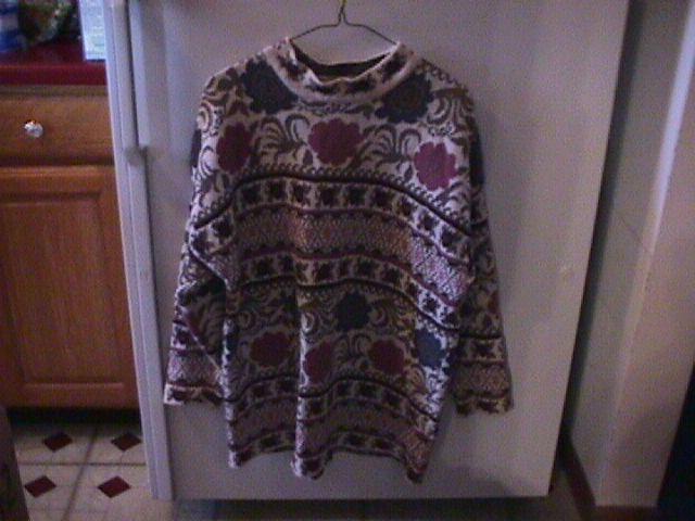 Beautiful Winter Sweater in a Large=Like New