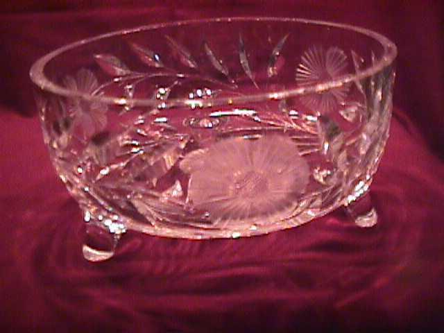 Crystal Centerpiece Bowl W/ Frosted Flowers