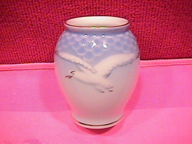 Bing & Grondahl, Miniature (Seagull) Vase