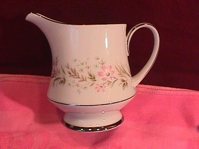 Noritake Fine China (Mayflower) #2351 Creamer