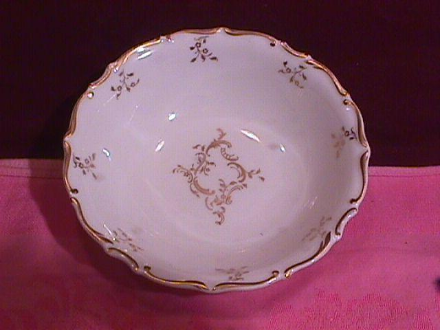 Royal Doulton Bone China (Monteigne) # H-4954 Fruit Bowl