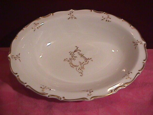 Royal Doulton, Bone China (Monteigne) H-4954 Oval Vegetable