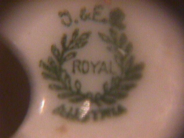 Austria, O & E G Royal Porcelain, Salt & Pepper Set