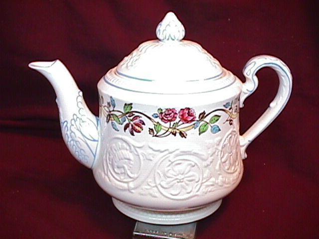 WEDGWOOD ARGYLE TL-397  Covered Tea Pot 7