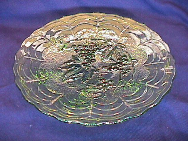 CARNIVAL GLASS IMPERIAL GRAPE PLATE HELIOS GREEN BY: IMPERIAL