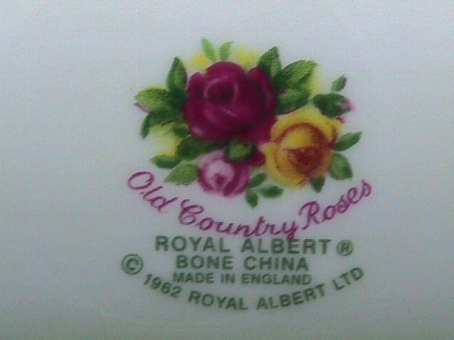 OLD COUNTRY ROSES Ham  PLATTER BY: ROYAL ALBERT 1962