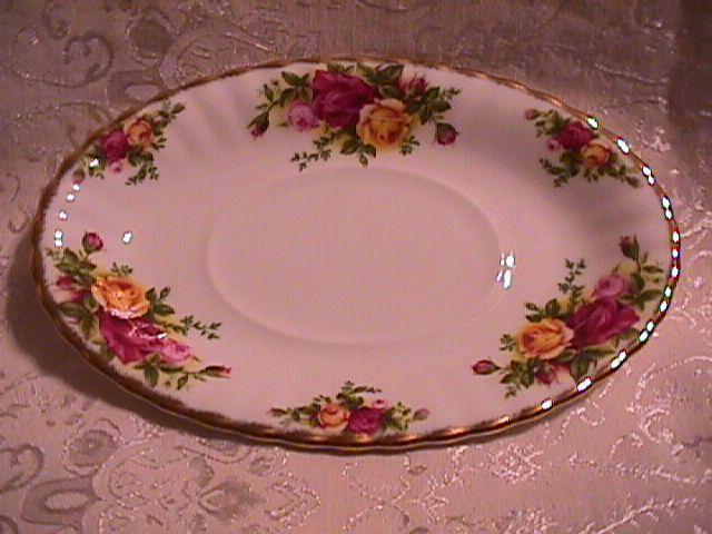 OLD COUNTRY ROSES GRAVY  LINER ONLY BY: ROYAL ALBERT 1962