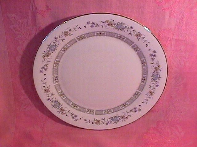 Royal Doulton Tara H-5065 Dinner Plate