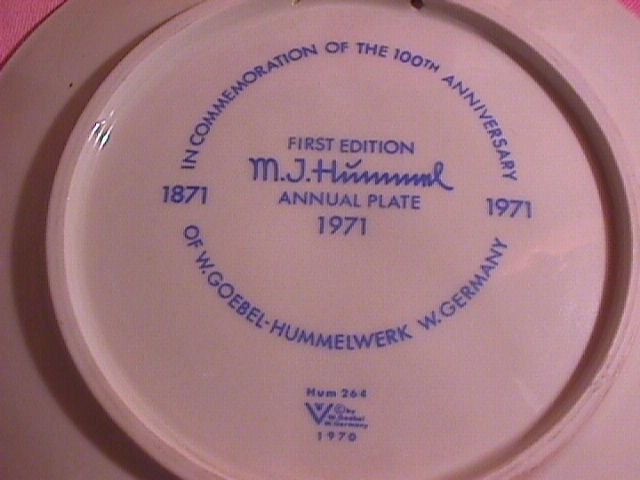 Hummel First Edition 1971 Annual Christmas Plate