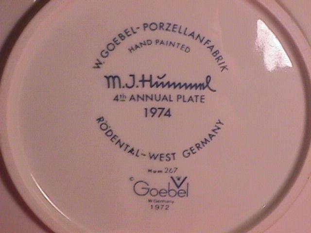 Hummel Annual Christmas Plate-1974 Mint W/Box