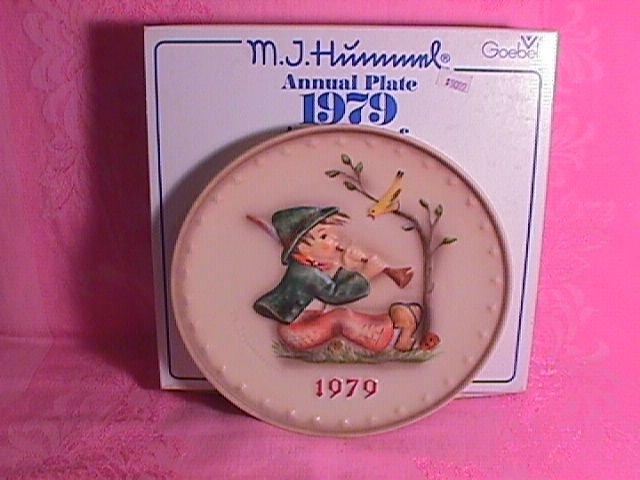 Hummel Annual Christmas Plate-1979 Mint W/Box