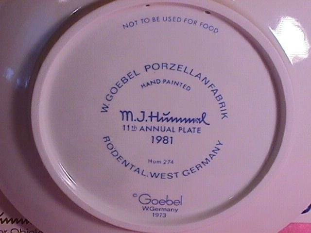 Hummel Annual Christmas Plate-1981 Mint W/Box