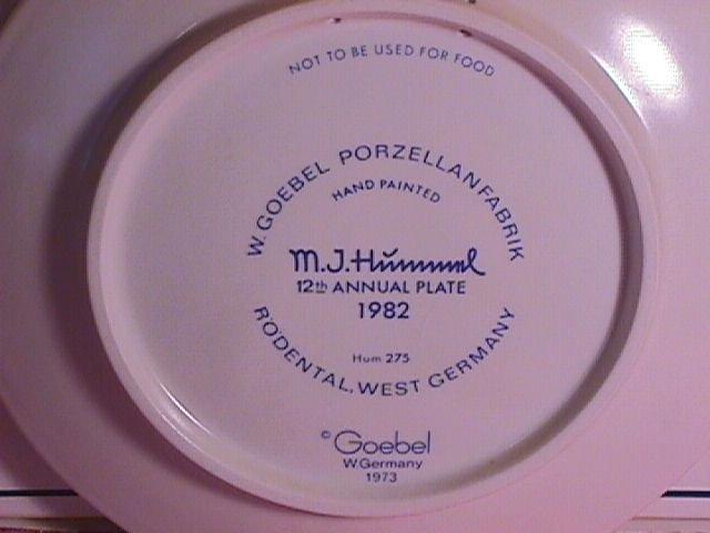 Hummel Annual Christmas Plate-1982 Mint W/Box