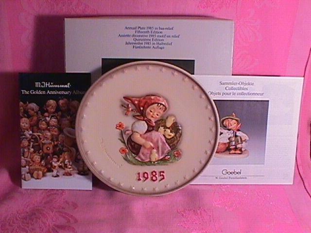 Hummel Annual Christmas Plate-1985 Mint W/Box