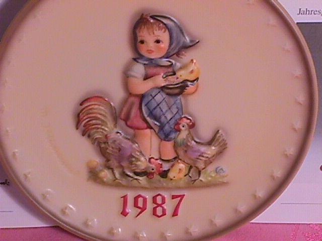 Hummel Annual Christmas Plate-1987 Mint W/Box