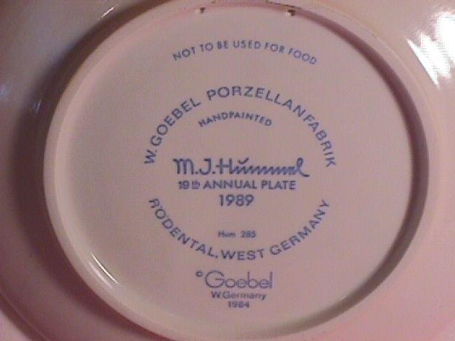 Hummel Annual Christmas Plate-1989 Mint W/Box