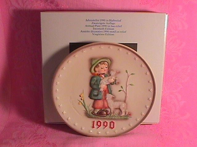 Hummel Annual Christmas Plate-1990 Mint W/Box