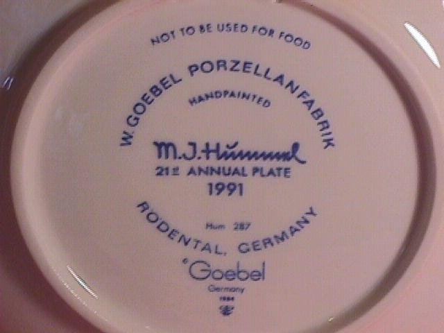Hummel Annual Christmas Plate-1991 Mint W/Box