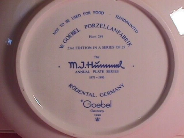 Hummel Annual Christmas Plate-1993 Mint W/Box