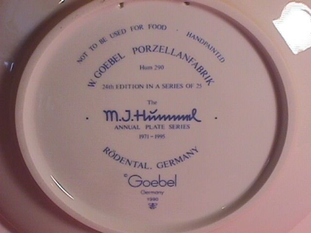 Hummel Annual Christmas Plate-1994 Mint W/Box