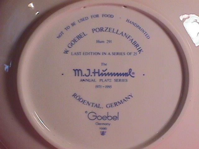 Hummel Annual Christmas Plate-1995 Mint W/Box