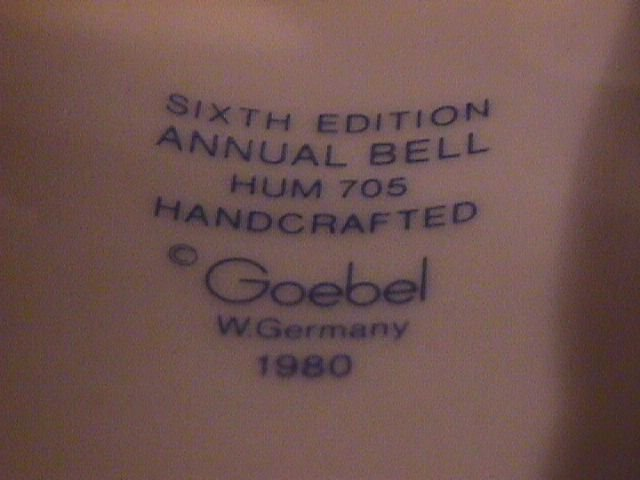 Hummel Annual Bell=1983= 6th Edition:  Knit One