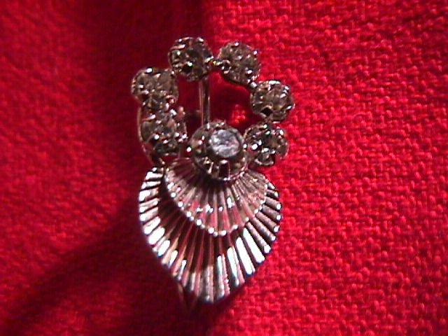Krementz  Cupids Arrow and Heart Pin and Earrings