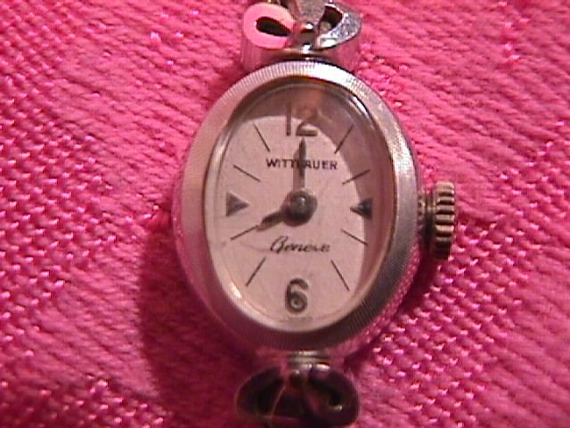 Elegant Ladies Wittnauer Geneve (Swiss) 14K Watch  & Band