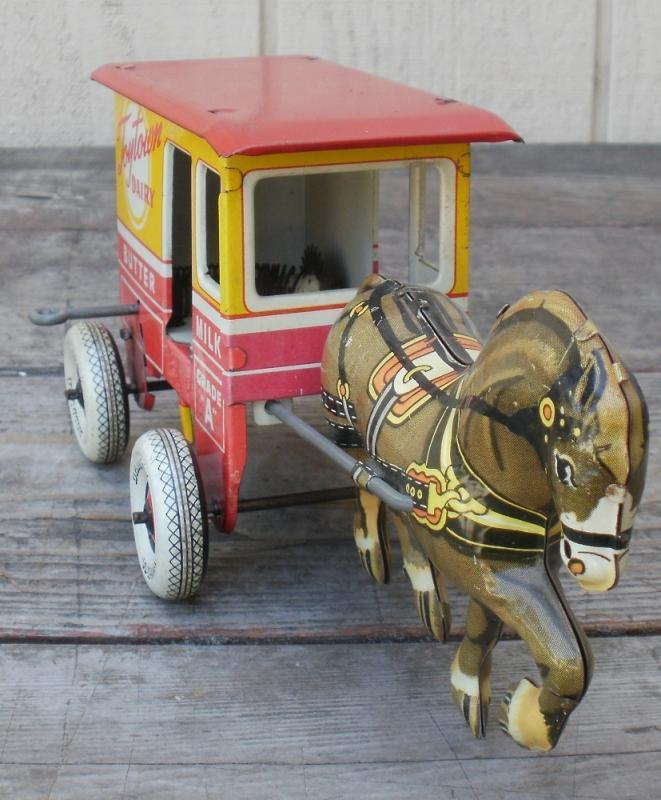 Vintage 1940's MARX Tin Wind-up TOYTOWN DAIRY