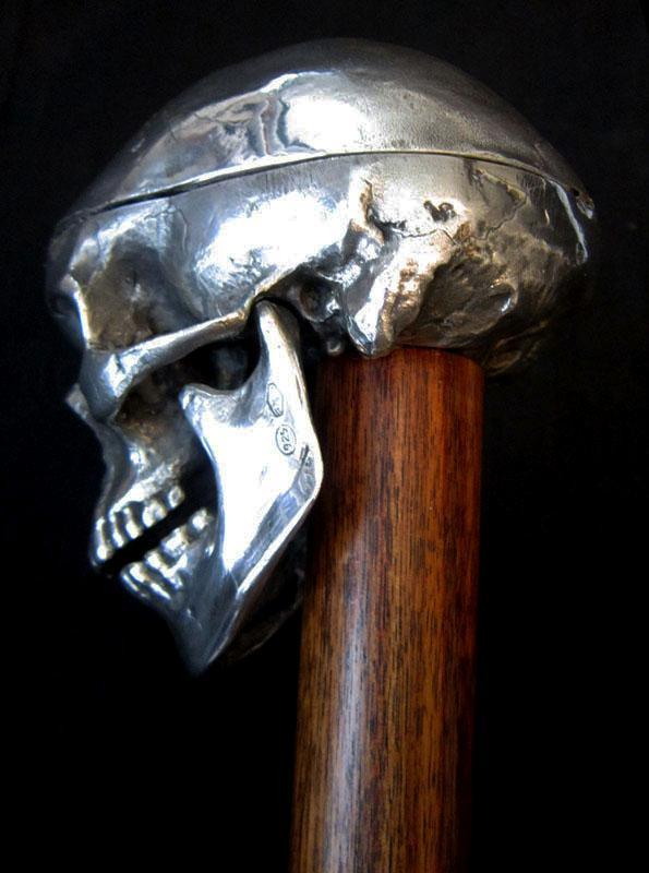 SILVER SKULL CANE/KNOBKERRIE WITH HIDDEN COMPARTMENT