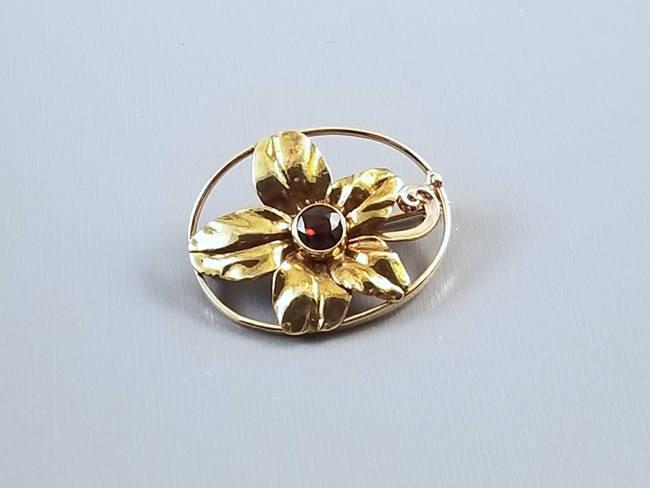 e67119fc1da66 Very pretty antique Edwardian Art Nouveau 14k gold garnet flower brooc