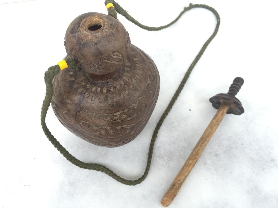 OLD BETEL NUT CONTAINER Kapur Sirih Batak Indonesia Artifact Box Bottle Chamber