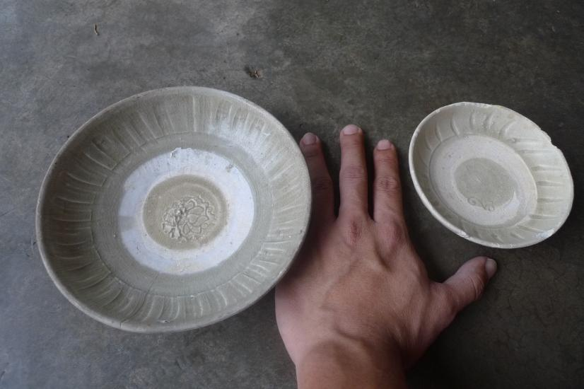 TWO GLAZED SUNG / SONG (960-1279) DISH / PLATE / BOWL Chinese Porcelain Clay #6
