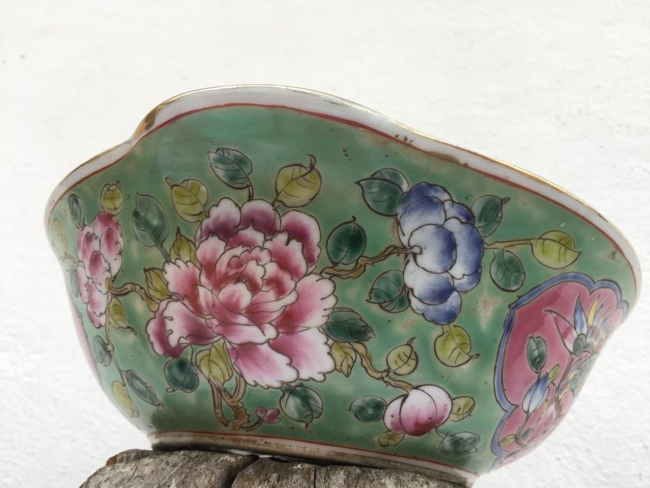 NYONYA NONYA SOUP BOWL Chinese Wedding Ware / Food Serving Jar Porcelain Peonies