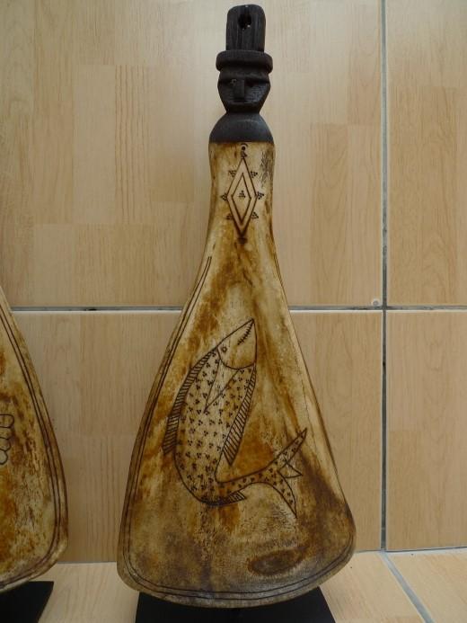 KIPAS GANA-GANA BATAK / HAND-HELD FAN Bone & Wood Figure Statue Image ONE PAIR