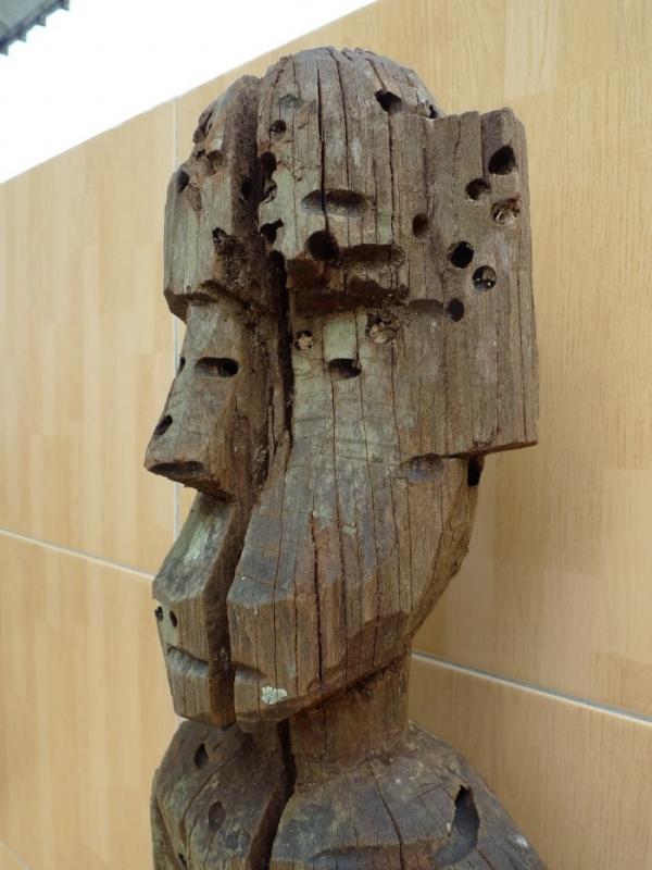 200-300 YEARS ERODED STATUE Bahau Dayak Weathered Primitive Ironwood Figure