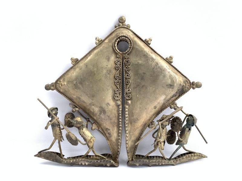 9.) WAR FIGURINE 180mm Female Genitalia Artifact SUMBA MAMULI Old Jewelry Jewel