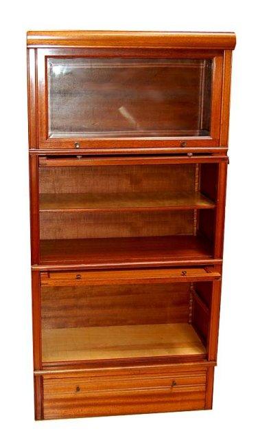24.2914 Pair of Matching American Mahogany Cabinets